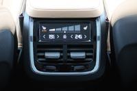 У задних пассажиров свой сенсорный климат-контроль