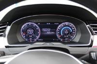 Volkswagen Passat в дорогих комплектациях оснащается виртуальной панелью приборов