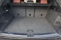 Объем багажника 810 л