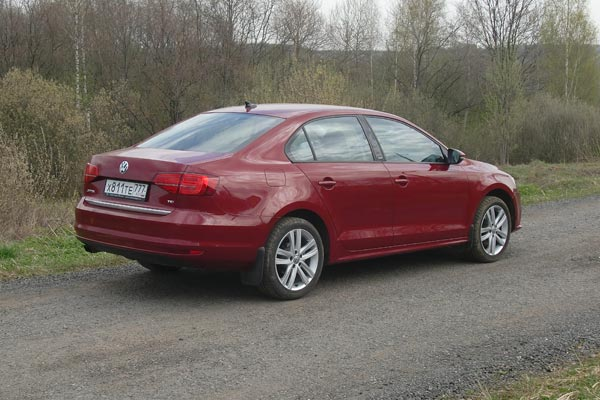 Volkswagen Jetta неплохо приспособлен для наших условий эксплуатации