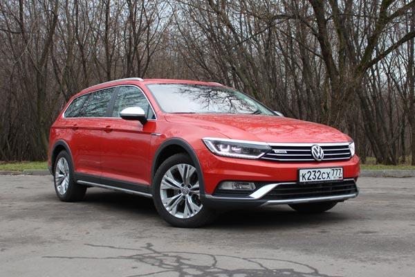 Универсал Alltrack выглядит наиболее гармонично среди всего семейства Volkswagen Passat