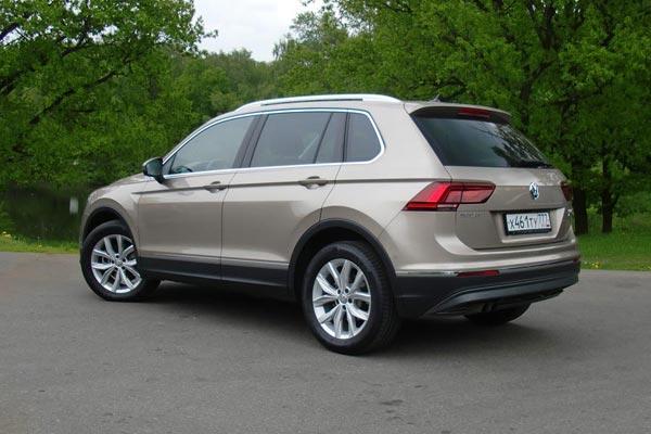 Новый Volkswagen Tiguan сохранил и приумножил достоинства старого. Управляемость, оснащение, эргономика - по этим параметрам он по-прежнему превосходит многих конкурентов.